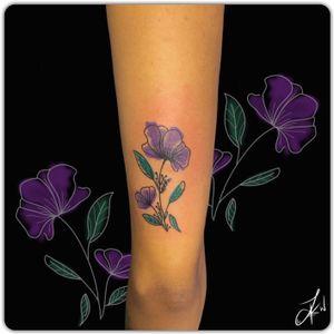 💉 #Linework#Dotwork#Shading#Instaart#TattooDesigns #Colour #Flower #Delicate #Cute #Tattoos #Beautiful #Ink #TattooLife #InstaTattoos #TattooArt #LondonTattoos #Inked #TattooedGirls #InkArt #GirlsWithTattoos #Inkstagram #Follow #DailyArt #CheyanneHawk #Flash #InstaGood #Art #Artist #ArtLovers #Tattooist