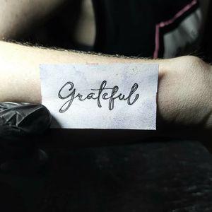 """Plantilla de """" Grateful """" tipografía personalizada"""