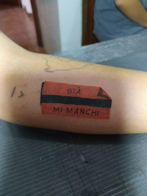 """Tatuaje personalizado de Ticket de metro con frase grabada """" GIÀ MI MANCHI """" realizado durante promoción de San Valentín (1/2)"""