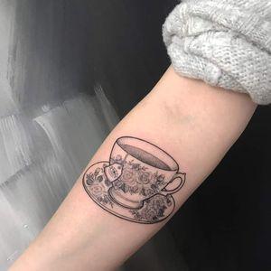 #teacup #vintage #porcellain #tasse #tattooberlin #blackwork #dotwork