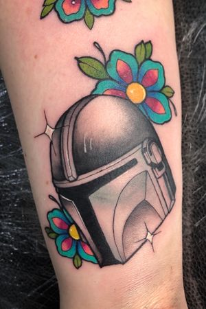 Mandalorian helmet/ neo traditional
