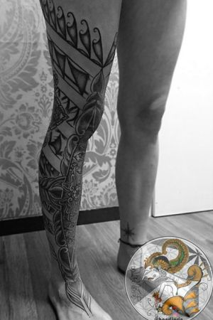 The 7th sessions of Freehand Indonesian Ornament's & Indonesian Batik motifs for Celi. This design is made originally by me, inspired by Balinese traditional wood and stone Carvings & Indonesian Batik Motifs. For appointment, send me a Direct Message. . . . . #ornamentaltattoo #lineworktattoo #tattoogirl #indonesiantattoo #batiktattoo #dotworktattoo #tattoo # #boldlinetattoo #freehandtattoo #tattoodo
