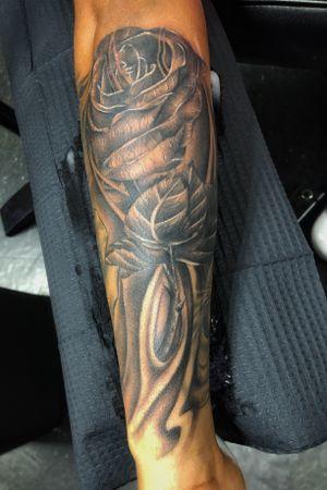 Tattoo by KD💉💉in @bloodlinez_ink  ——— Done using: @intenzetattooink, @hivecaps, @inkjectapro, @inkjecta, @inkedmag, @electrumstencilproducts, @eztattoing, @criticaltattoosupply, @theoriginalformula23 ——— #kaistattocuba, #tattoos, #intenze, #art, #inked, #criticaltattoosupply, #inkjecta, #mambaglide, #intenzetattooink, #dipcaps, #tattoodo