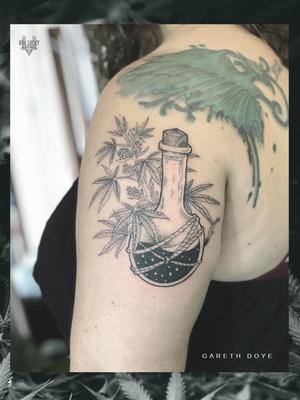 Chronic Medication 🌿 . . . #dope piece by Gareth Doye Tattoos . . . WALK INS WELCOME! Call - 021/422/2963 Email - info@kakluckytattoos.com . . . @flashheal @electrumstencilproducts @creamtattoosupplyza @lighthousesupply @tattooinc.co.za @blackclaw . . . #tattoos #art #tattooartist #tattoosofig #electrumstencilprimer #tattooed #420 #tattoooftheday #luckyironstattoo #walkins #tatovering #dipandrip #radtattoos #flashheal #kakluckytattoos #capetown #weedtattoo #fresh #fridaymood #shakeandbake