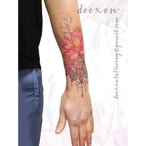 Quiet the Mind and the Soul will Speak ➡️Contact: deexentattooing@gmail.com 🍥Merci Virginie! . . . #tatouages #flowertattoodesign #tatouagefemme #lotustattoo #tatouagefrance #tatouagefleur #deexen #flowertattoos #tatouageparis #tatouagebras #flowertattoodesigns #mandalatattoodesign #lotustattoo #mandalatattoos #lotusflowertattoo #lotusflowers #lotusflower
