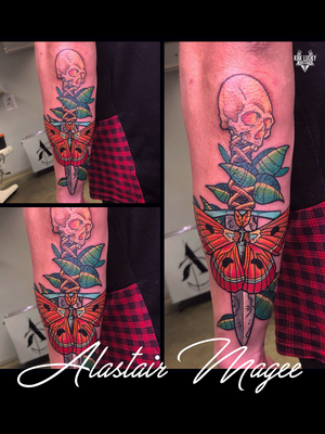 Fortune Favors The Bold . . . We are super excited to announce the boundlessly talented @alastairmagee will be guesting with us from 19 MARCH. . . . BOOK NOW: info@kakluckytattoos.com 021/422/2963 . . . WALK INS WELCOME - Or contact the artist directly. . . . . #kakluckytattoos #capetowntattoos #guestartist #fresh #420 #tattoos #tattooartist #tattoosofig #lekker #kaapstad #neo #modern #toogood #instagood #instadaily #guestartist #steezy #stoked #aesthetic #mood #love #freshaf #letsdothis #traditional #neotrad