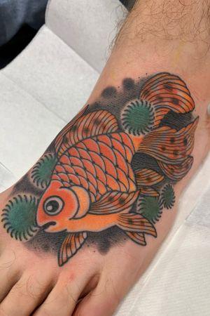 Goldfish on the foot, around 2.5 hours #fish #fishtattoo #goldfish #kingyo #japanesefishtattoo #japanese #japanesetattoo #foottattoo #irezumi