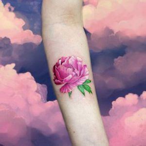Великолепный пион в реализме . . . #pion #flower #flowertattoos #flowertattoo #realism #realismtattoo #realisme #realismetattoo #pinkwork #pink #pinkflower