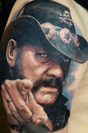 Boek snel je afspraak bij @aramayotattoos hij kom bij ons in de studio vanaf 2 april tot 12 april wees er snel bij en reserveer een plek voor een mooie tattoo in de volgende stijlen!! Hyper realistic Realisme en color 👆👆 👆👆 #art4lifetattoo #studio #spijkenisse #rotterdam #zuidholland #aramayotattoos #tattoo #ink #tattooartist #arttattoo #blackandgreytattoos #realistictattoo #instatattoo #inkmaster #tattoolife