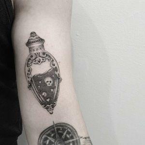 #tattoo #tattooidea #tattoodesign #tattooinspiration #tattoodo #tattooink #tattoolife #polishtattooartist #sanfranciscotattoo #berkeleytattoo #bayareatattoo #oaklandtattoo #jessejamestattoo #femaletattooartist #lovepotion #valentinestattoos