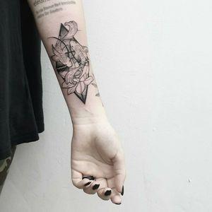 #tattoo #tattooidea #tattoodesign #tattooinspiration #tattoodo #tattooink #tattoolife #polishtattooartist #sanfranciscotattoo #berkeleytattoo #bayareatattoo #oaklandtattoo #jessejamestattoo #femaletattooartist #piecestattoo #geometry #symbolism #forearm #blackwork #dotwork