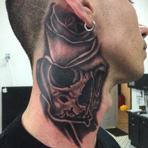 Skull/rose neck shot
