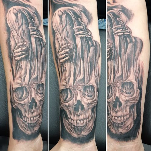 #blackandgreytattoo #blackandgrey #custom #customtattoos #skull #skulltattoo #horror #horrortattoo
