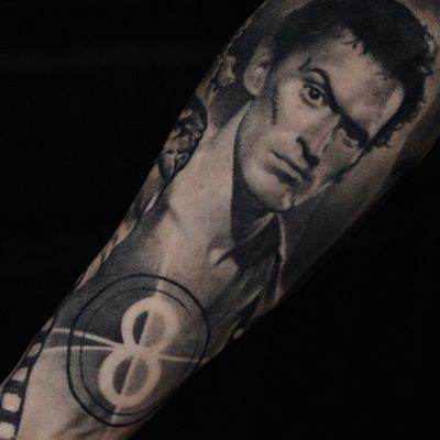 """Ash Williams from the """"Evil Dead"""" ,part of the healed sleeve #evildead#portrait#blackandgrey#realistic#horror#zombie"""