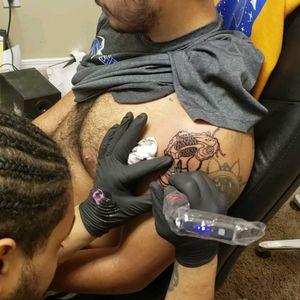me at working travel mode #etheartist #yeswork #tattoos #spektraxion #empireink #hivecaps #fkiornsxion #blackandgreytattoo