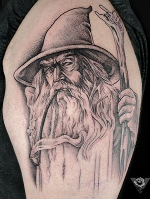 First session on a Gandalf portrait and a start of a Lord of the Rings half sleeve. #gandalf #lotr #lordoftherings #onering #middleearth #portrait #blackwork #fineline