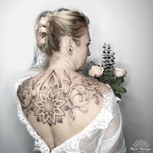 Tattoo by Marta Madrigal #MartaMadrigal #fineline #dotwork #illustrative #floral #flower #nature #sacredgeometry #shapes #mandala