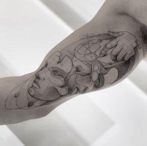 Tiempo perfecto . . . . . Appointments/Citas: anibalbookings@gmail.com . . . . . @tattoodo @blxckink @inkedmag @tattoo.colombia1 @tattoosocietymagazine @skinart_mag @the.best.tattoo.page @tattoomusicfest @kwadron @kwadron_usa @worldtattooevents @saniderm @inkjetstencils @inkgeekstattoos @tattoo.artists @tacsciences @realistic.ink @tttcollector @artesobscurae @bodyartmag @evolvedmagazine @woketatts @rad.tattoos @tattooculturemag @designbunker @parloiruk @markedbyinked @theartoftattooingofficial @ideasfortatts @inspiration.tatts #fineart #sketch #blackworkershero #dragon #inkstinctsubmission #onlyblackart #artesobscurae #blackworktattoos #blackworktattoo #theartoftattoos #dotworkers #occultarcana #onlythedarkest #iblackwork #blackworkerssubmission #blackworker #instasrt #artwork #tattooinkspiration #tattoo #arts #TATTOOTODO #anibal_tattoo #tattooartist #blxink #stabmegod #cdmx #bogota #Miami #nyc