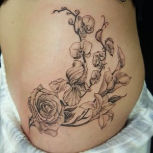 Hip floral piece (3.5 hours)