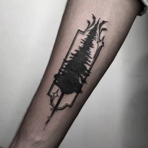 Client came in wanting a silhouette of a pine tree for his first tattoo, but y'all know I'm always going to add my own twist to every tattoo I do (especially when y'all are open to it!) . DM to book an appointment Done at @soulinkstudio . . #darkartists #darkart #pinetree #srilanka #islandlife #blackwork #blxck #stars #blackworkers #neotraditional #neotrad #darkneotrad #pinetreetattoo #trustyourartist #soulinkstudio #ksvink #tttism #macabre #tattooartists #tattooworkers #silverbackink #occulttattoo #occult #darktattoo #tattoodo