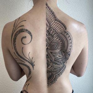 #photooftheday #tattoooftheday #tattoo #tatouage #mandala #mandalatattoo #backtattoo #dot #dotwork #dotatttoo #dotworkers #lausanne #lausannetattoo #tattoolausanne #fann_ink