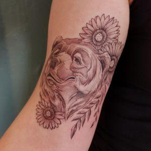 #fineline #bear #beartattoo #peppershading #wipshading #sunflower
