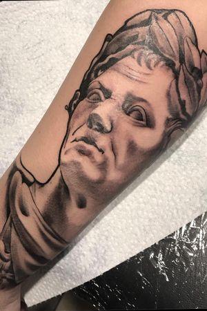 #statuetattoo #blackandgreytattoo #art #ink #artist #tattooartist #portraittattoo #forearmtattoo #blacktattoo #dynamicink #cheyennehawkspirit #cheyennethunder #bishoprotary #outlining #shading #eternal #inflictedmindstattoo #iuliacristea #romaniantattooartist #romania
