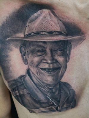 Portrait #blackandgrey #radiantcolorsink #victorportugalinkset #realistictattoos #tattooofinstagram #tattooed #tattooist #tattooworld #tattooworkers #tattoolove #tattoolife #hustelbutter #panamacity