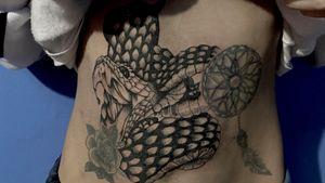 -🐍 #tattoo #tattooart #tattoodesing #black #tatuaje #diseñotatuaje #dotwork #blacktattoo #tattooartist #tattooart #blackwork #blackworktattoo #snake #snaketattoo