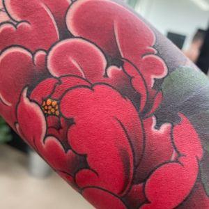 Peony power #tattoodo #killerinktattoo #japaneseink #inkjecta #inkjectapro #wearesorrymom #japanesetattoo #japanesetattooart #irezumi #irezumiart #irezumitattoo #tattoo_composition #tattoo_art_worldwide