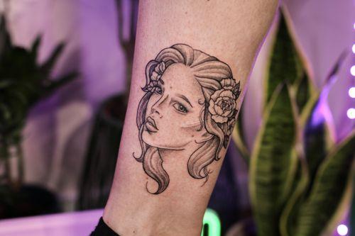 Lady head tattoo by Megan Smith #MeganSmith #ladyhead #portrait #illustrative #blackandgrey #rose #peony #flower
