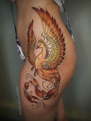 Phoenix!! 🔥 #phoenixtattoo #mythology #fromtheashes #phoenix #epicbirds #neotraditionaltattoo #neotraditional #colortattoo #colorsaturation #epictattoo #hiptattoo #badasstattoo #badasswomen #marloeslupker #marloeslupkertattoo #inkandintuition #inkandintuitionamsterdam #amsterdamtattoo #amsterdam #linework #color