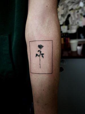 #tattoo #tattooart #inked #inkedlife #smalltattoo #rosetattoo #minimaltattoos