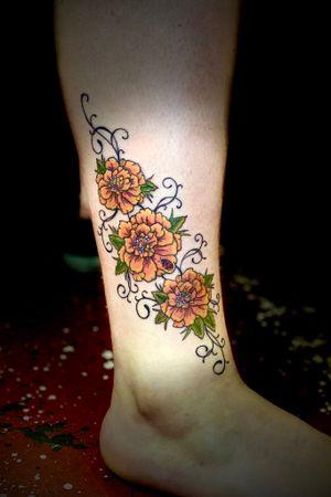 Marigolds #marigoldtattoo #floraltattoo #eternalinks #staugustinetattooartist #floridatattooartist