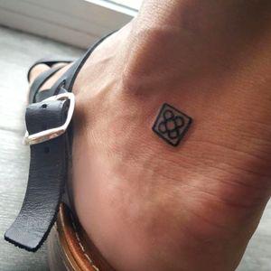 Pequeño símbolo de BCN #tattooart #minitattoos #tattoobarcelona #tattooartist #tatto #barcelonatattooexpo