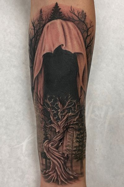 Take on a grim reaper in the wilderness. When there's life there's death. Makes it all worth it. #grimreaper #lifeanddeath #peaces #blessed #blackandgrey #trees #treetattoo #bng #guyswithtattoos #inked #tattoo #cypress #skanvas #oc #la #california