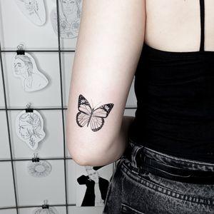 Butterfly #butterflytattoo #butterfly #minitattoo #blacktattoo #blacktattooart #smalltattoo