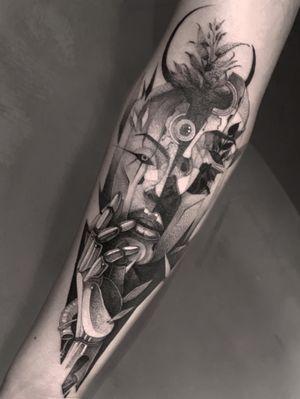 Inside 🌱 @anibal_tattoo . . . #naturalisback #blackartist #anibal_tattoo #blackworkerssubmission #blackworkers #tattoodo