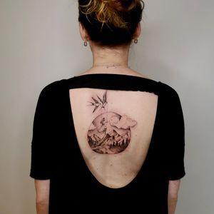 Flyaway with me. . Created by the talented Jones aka @kbhkink . With @bluebirdneedlesnordic & @yayofamilia . . . . . . #tattoo #tattoos #ink #inked #art #artist #tattooart #tattooartist #unique #uniqueart #elegant #elegance #elegantart #feminine #feminineart #femininetattoo #anatomy #beautiful #beautifultattoo #craft #nature #naturetattoo #celebration #swallow #universe