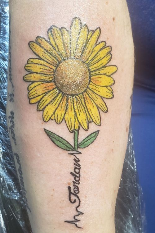 #sunflowertattoo #memorialtattoo