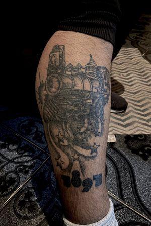 -🚂 #tattoo #tattooart #tattoodesing #black #tatuaje #diseñotatuaje #dotwork #blacktattoo #tattooartist #tattooart #blackwork #blackworktattoo