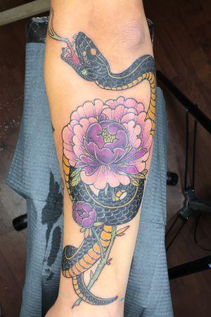Snake and peony color