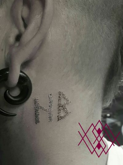 Futhark-Runes; hagalaz and berkana @marie_wols #marie_wols #handpokedtattoo #handpoked #tattoo #traditionaltattoo #handmade #rune #runes #tattooartist #tattoopotsdam #potsdamtattoo #tattooartist