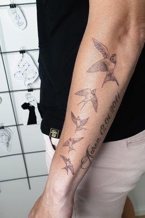Birds fresh text healed . . #swallowtattoo microtattoo #minitattoo #minitattooist#instatattoo#tattoogirl #tattoodo #tattoolove #inkspiration #finelinetattoo #worldfamousfamily #ezcartridge #kwadron #eztattooneedles #tatuointijärvenpää #tatuointihelsinki