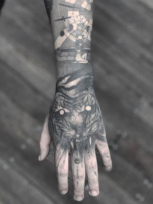 Arm in progress  . . . #naturalisback #blackartist #anibal_tattoo #blackworkerssubmission #blackworkers #tattoodo
