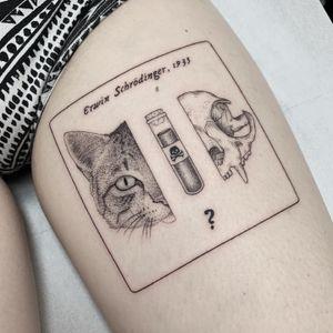 """""""The paradox of Schrödinger's cat"""" FOLLOW ME ON INSTAGRAM: _mfox #finelinetattoo #blackworktattoo #scientifictattoo #scientific"""