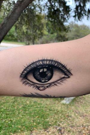 Black and Grey Realistic Eyeball