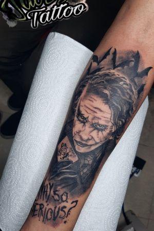 #tatuajes #blackandgray #realismo #Joker #sombreado #tatuaje para #hombre y #mujer #realistic  . . #jaser #tattooart #ink ⚡