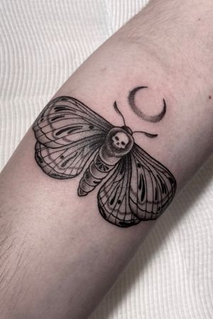"""""""The moth prefers the moon and detests the sun, while the butterfly loves the sun and hides from the moon. Every living creature responds to light. But depending on the amount of light you have inside, determines which lamp in the sky your heart will swoon."""" #moth #mothtattoo #mothlife #mothcycles #tattoos #moontattoo #nighttattoo #australiatattoo #sydneytattoo #sydneytattooartist #tattooinfluencer #australiainfluencer #tattoodo #dottattoo #flyingtattoo #lovetattoos #italiatattoo #messinatattoo #romatattoo #amsterdamtattoo #melbournetattoo #adelaidetattoos #brisbanetattoo #madridtattoo #germanytattoo #napolitattoo #italianiinaustralia #inked #inkedmag #iltatuaggioitalia"""