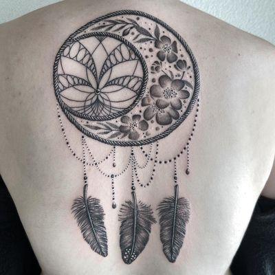 #tattoo #tatouage #dreamcatcher #dreamcatchertattoo #feather #feathertattoo #lotus #lotustattoo #flowers #flowertattoo #lausanne #tattoolausanne #lausannetattoo #fann_ink